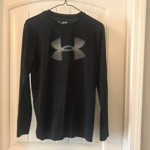 Under Armour Loose Fitting Long Sleeve Shirt